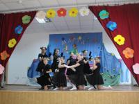 Праздничный концерт к 8 марта от учащихся 5 - 11 классов.